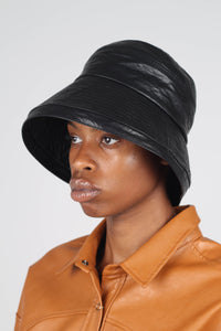 Black vinyl bucket hat2