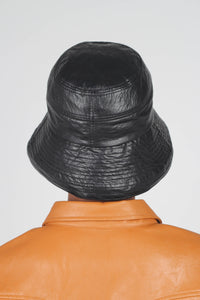 Black vinyl bucket hat4