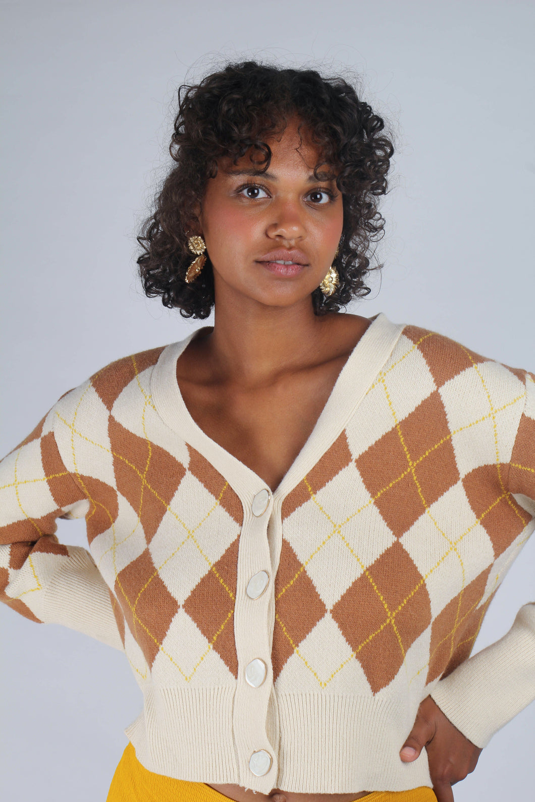 Cream and brown intarsia argyle print cardigan_MCFBA3