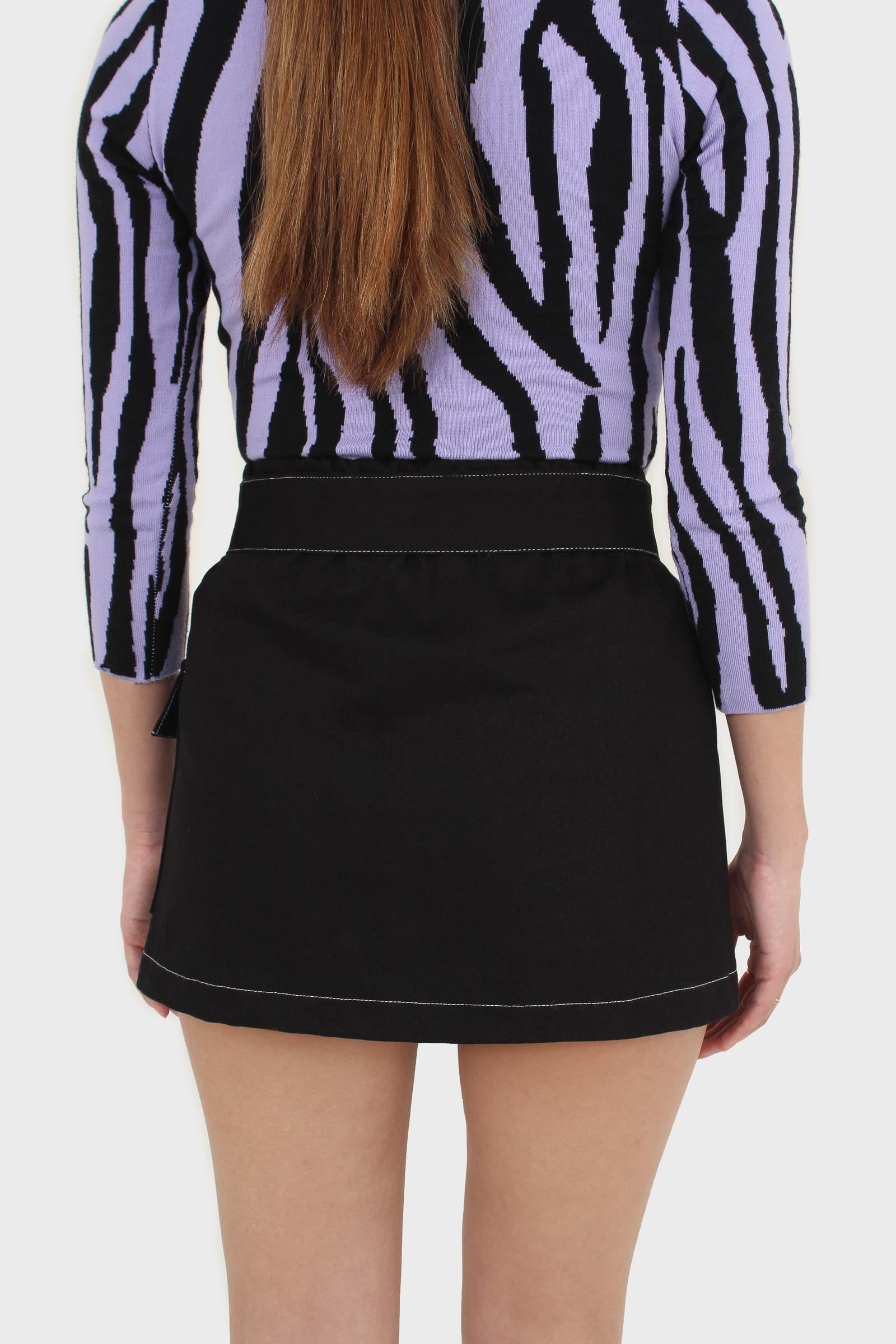 Black and white contrast stitch belted pocket mini2