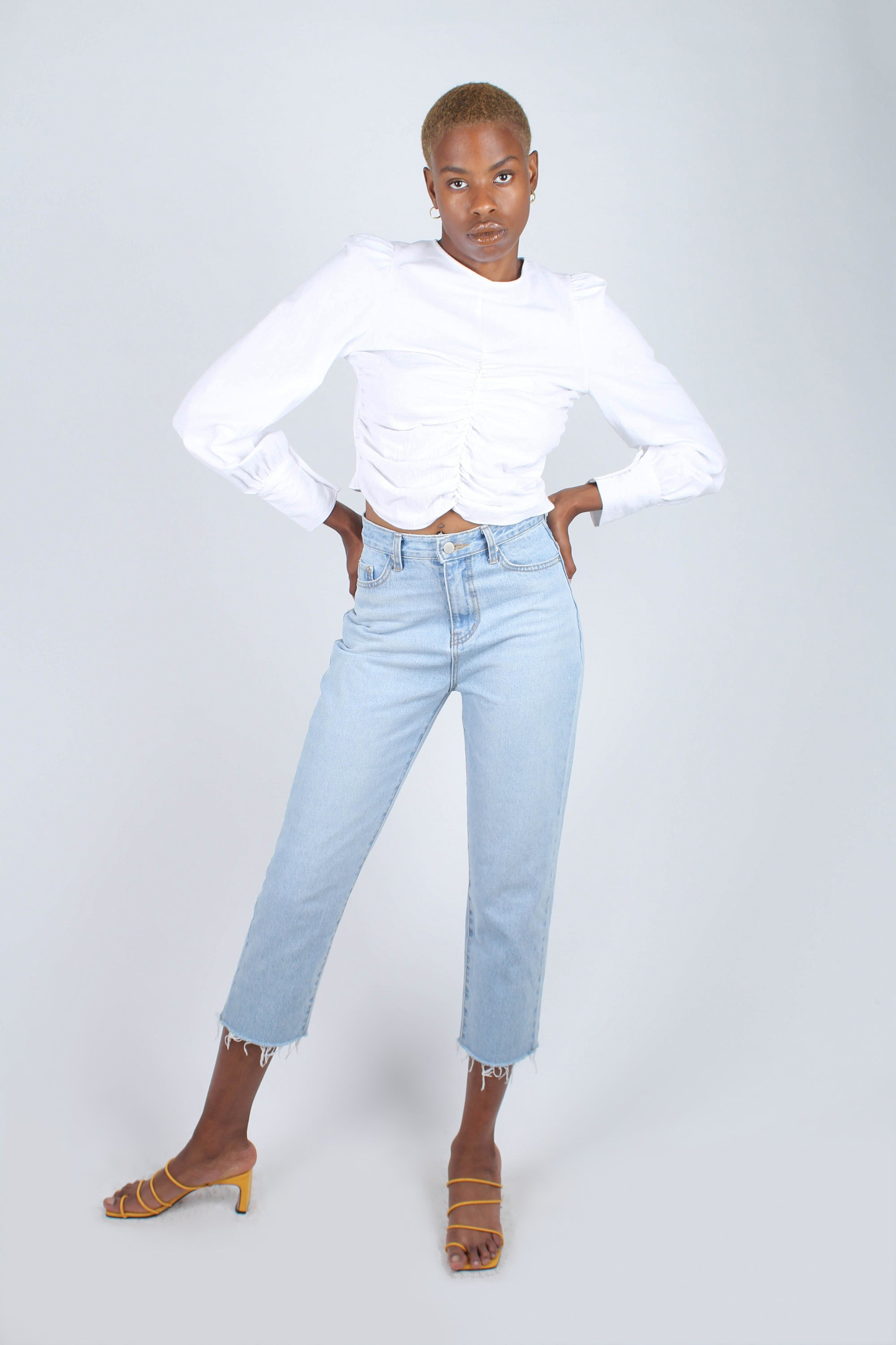 White ruched front long sleeved crop top_2