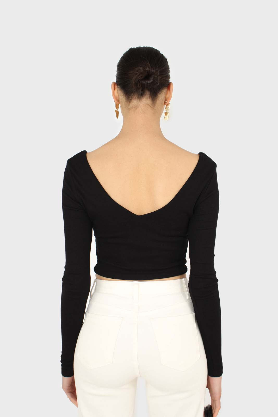 Black twist front long sleeve crop top 4