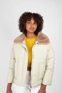 Pale khaki fur collar puffer jacket2