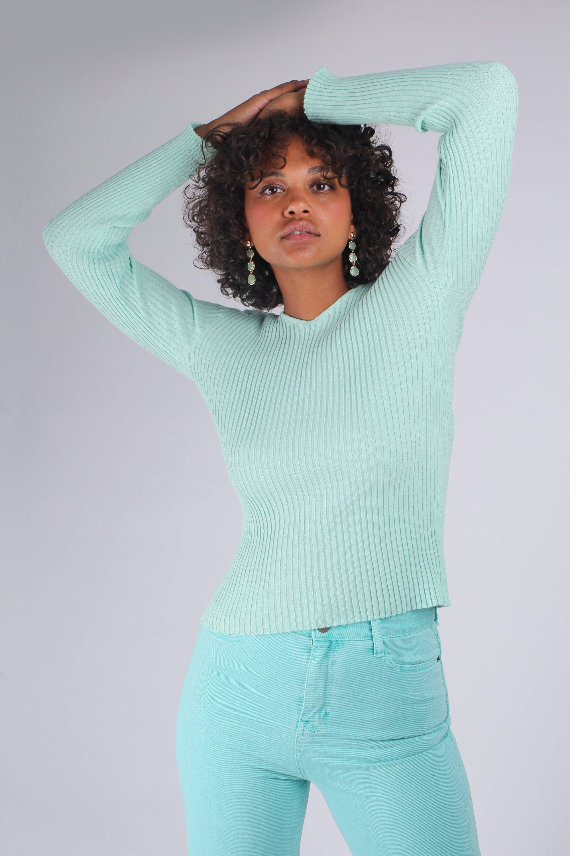 Mint green V-neck ribbed long sleeved knit_MCFBA2
