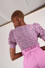Load image into Gallery viewer, Lilac and black leopard print puff sleeve top_3
