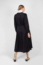 Load image into Gallery viewer, Black drawstring waist satin maxi dress2