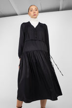 Load image into Gallery viewer, Black drawstring waist satin maxi dress3
