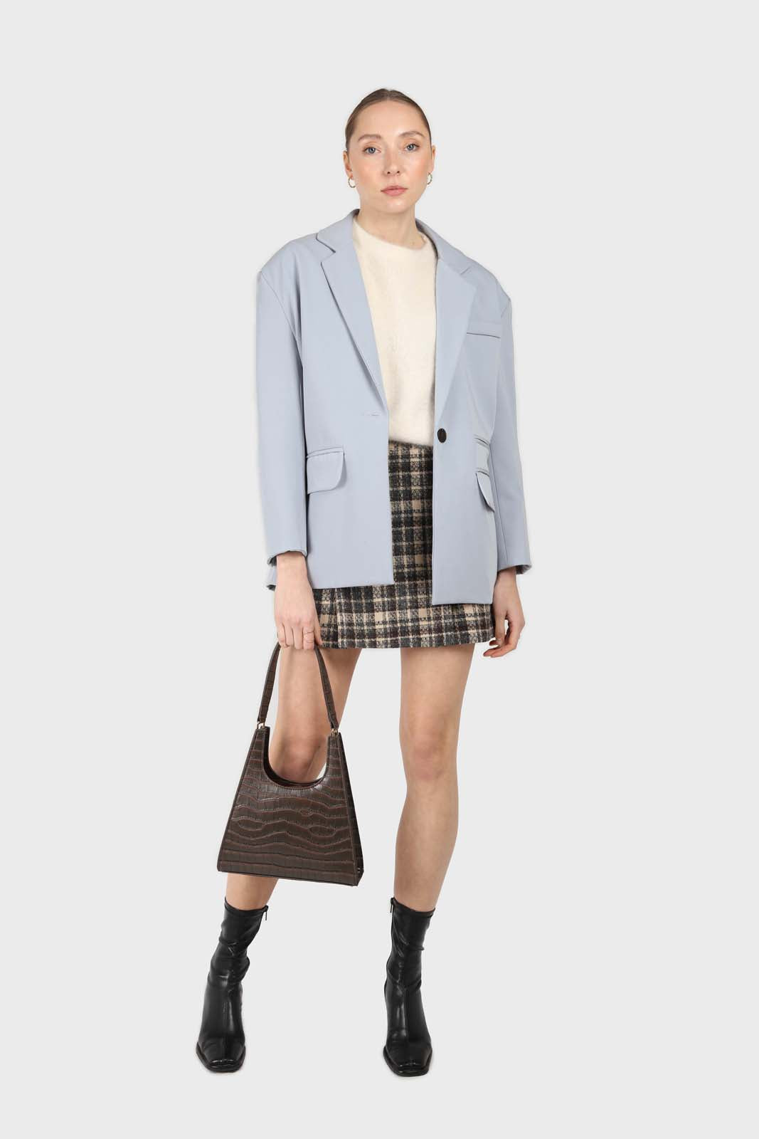 Powder blue contrast button oversized blazer