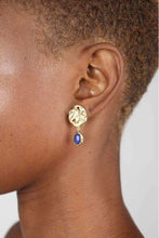 Load image into Gallery viewer, Gold and blue hammered circle drop earrings