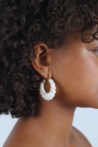 Ivory rope twist hoop earrings_MDEBA1