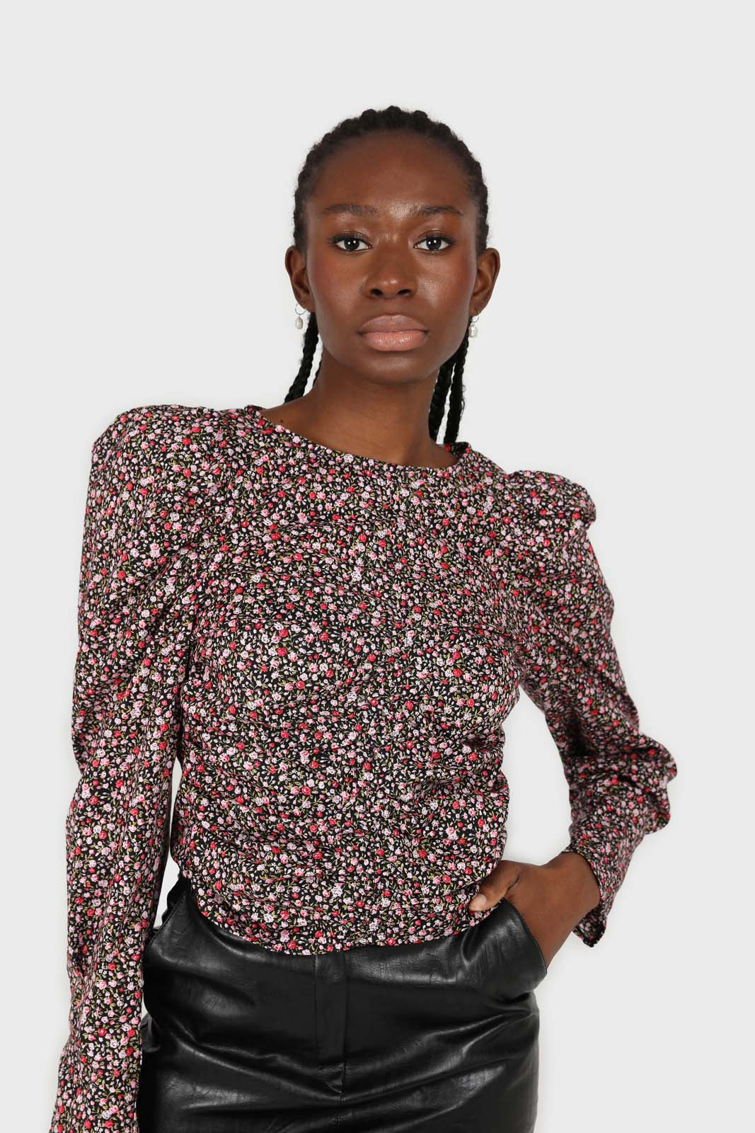 Black floral ruched long sleeved blouse2