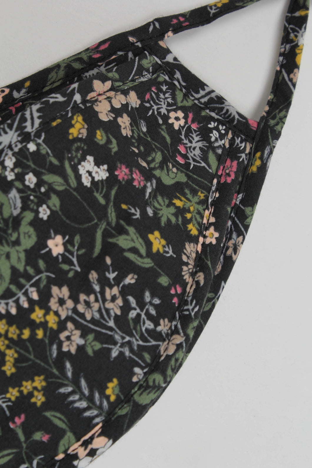 Black floral print cotton face mask_PSDBA1
