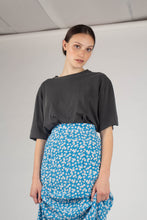 Load image into Gallery viewer, Bright blue daisy print maxi skirt_MCFBA1