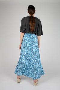 Bright blue daisy print maxi skirt_MFBBA1