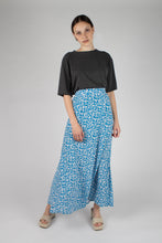 Load image into Gallery viewer, Bright blue daisy print maxi skirt_MFFBA1