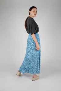 Bright blue daisy print maxi skirt_MFSBA1