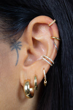 Load image into Gallery viewer, Gold simple bold ear cuff - 8mm2