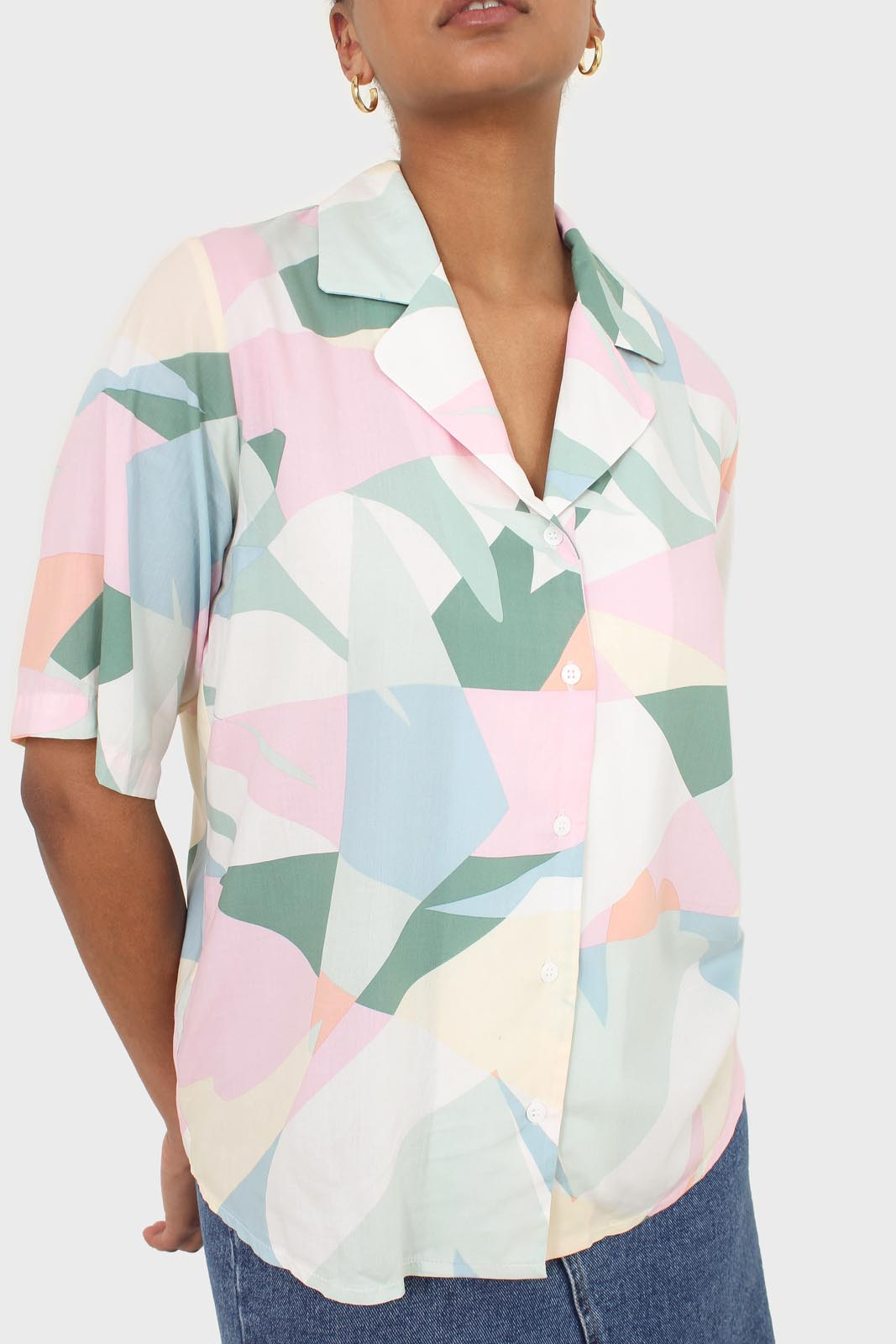 Pink multicolor graphic print short sleeved shirt2