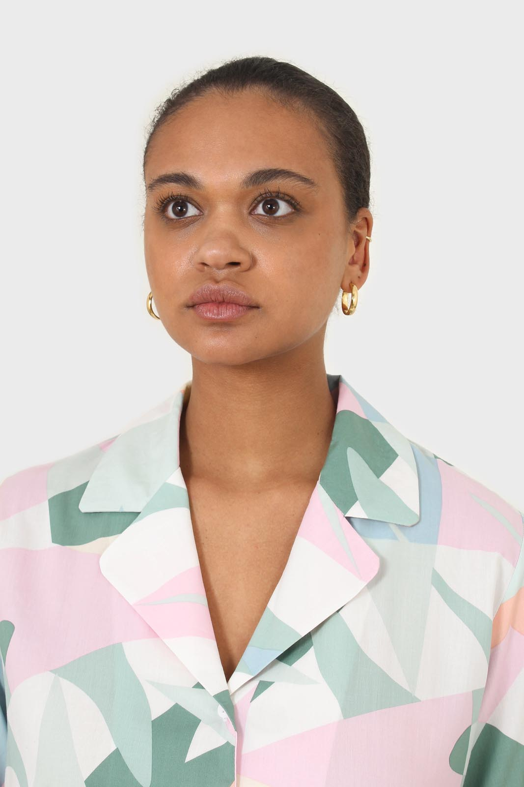 Pink multicolor graphic print short sleeved shirt3