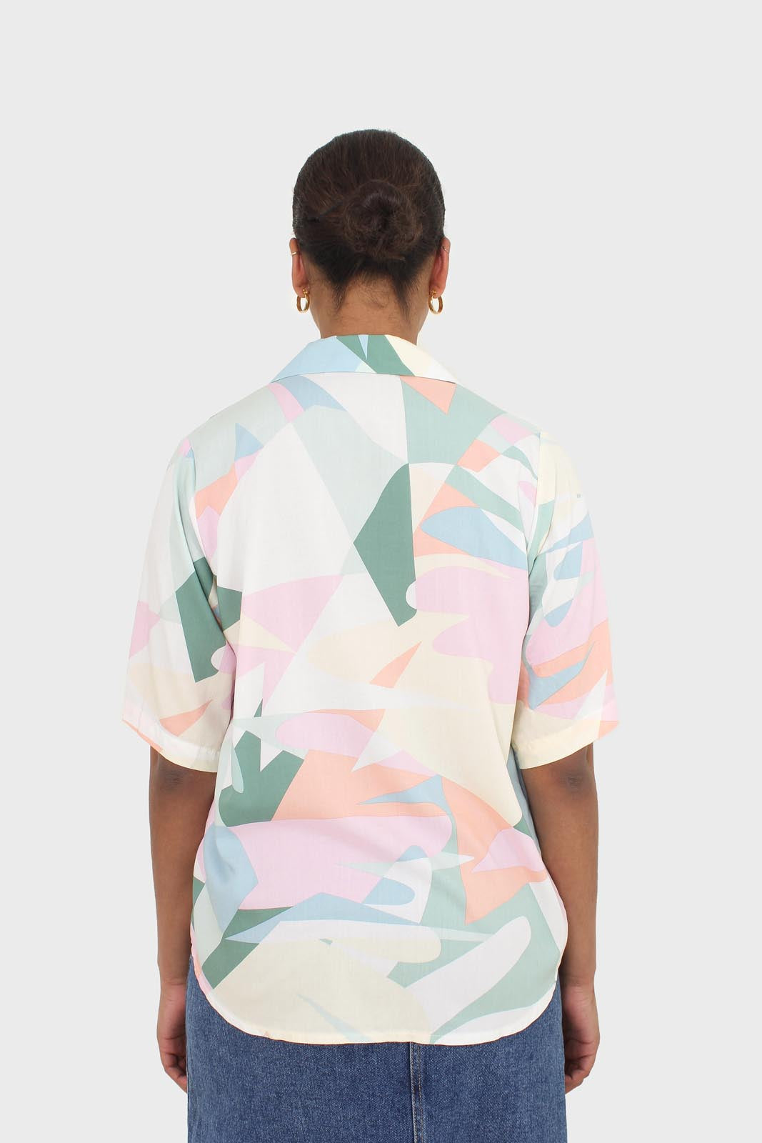 Pink multicolor graphic print short sleeved shirt4