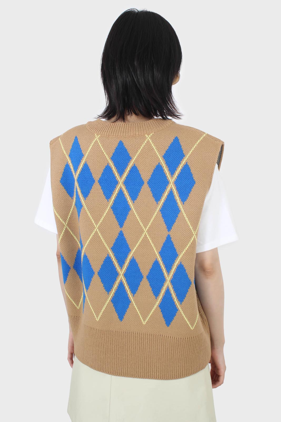 Camel and bright blue argyle sweater vest4