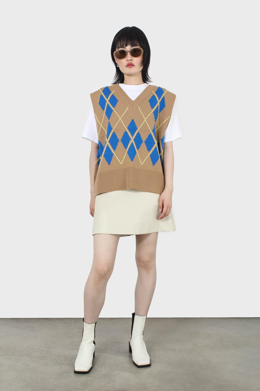 Camel and bright blue argyle sweater vest7