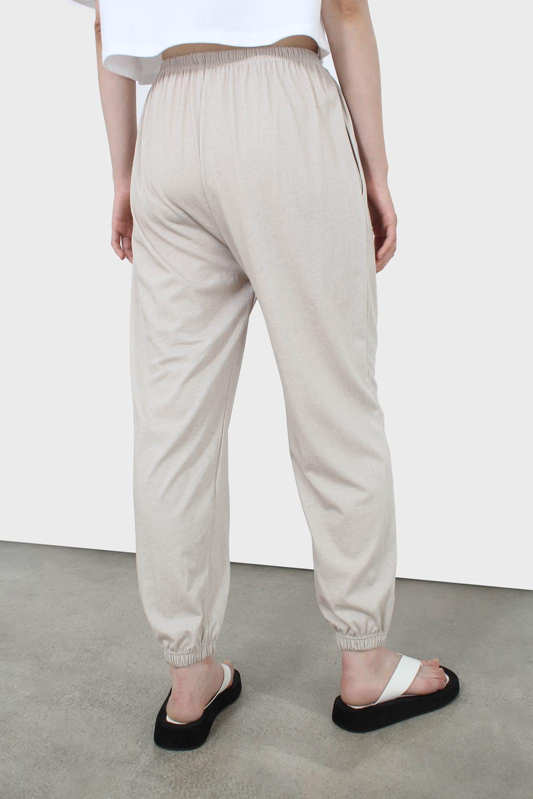 Beige loose fit sweatpants - set4