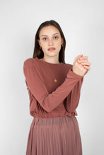 Load image into Gallery viewer, Rust high neck perfect long sleeved tee3