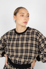 Load image into Gallery viewer, Black and beige checked sweatshirt2