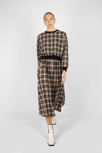 Load image into Gallery viewer, Black and beige checked maxi skirt1sx