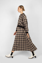 Load image into Gallery viewer, Black and beige checked maxi skirt2