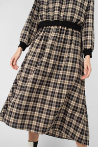Black and beige checked maxi skirt3