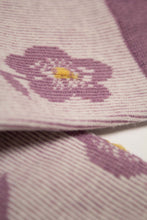 Load image into Gallery viewer, Lilac jacquard flower socks4