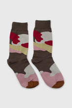 Load image into Gallery viewer, Khaki and red camo print sock3