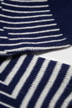 Load image into Gallery viewer, Navy and white geometric socks4