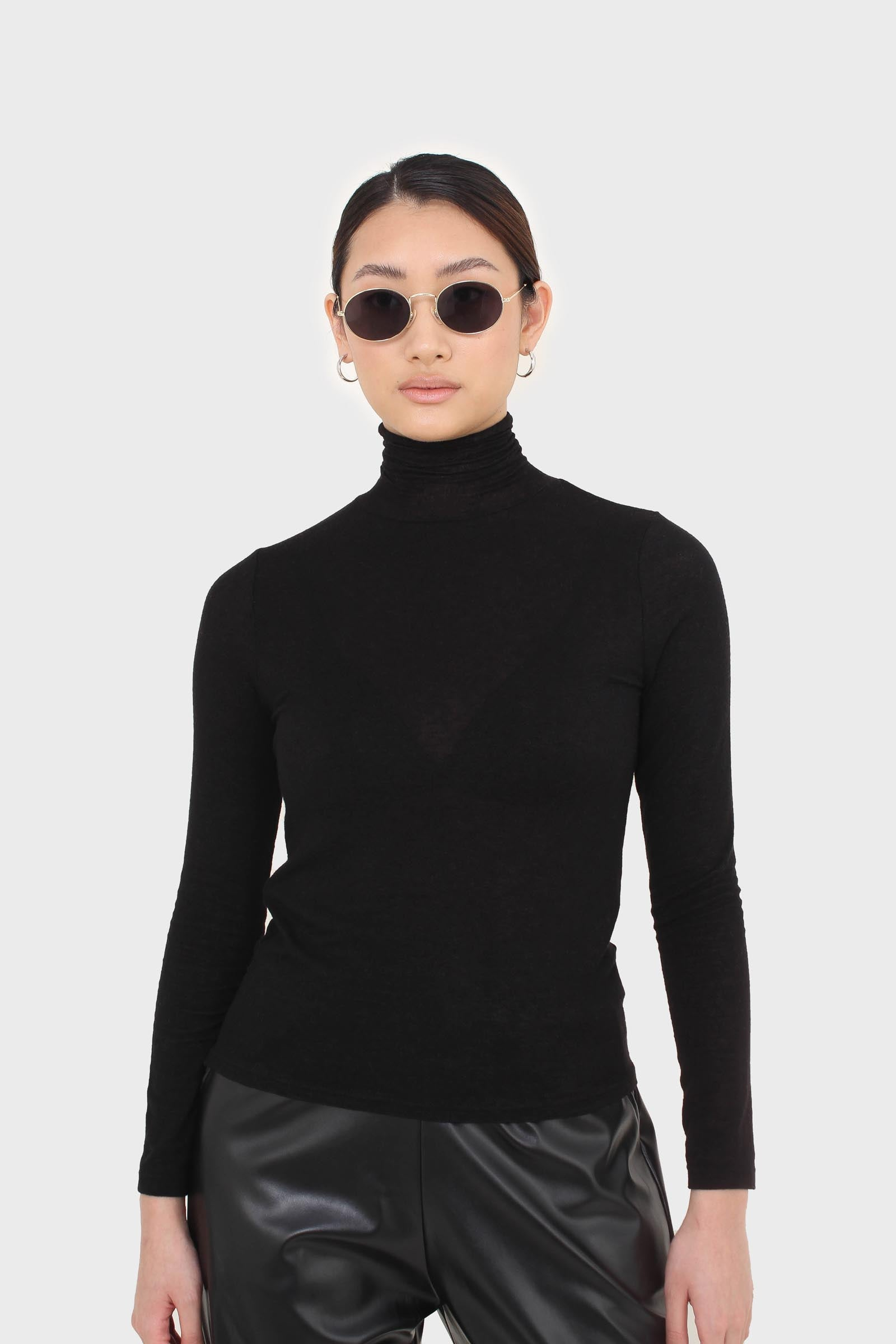 Black wool blended thin turtleneck top6