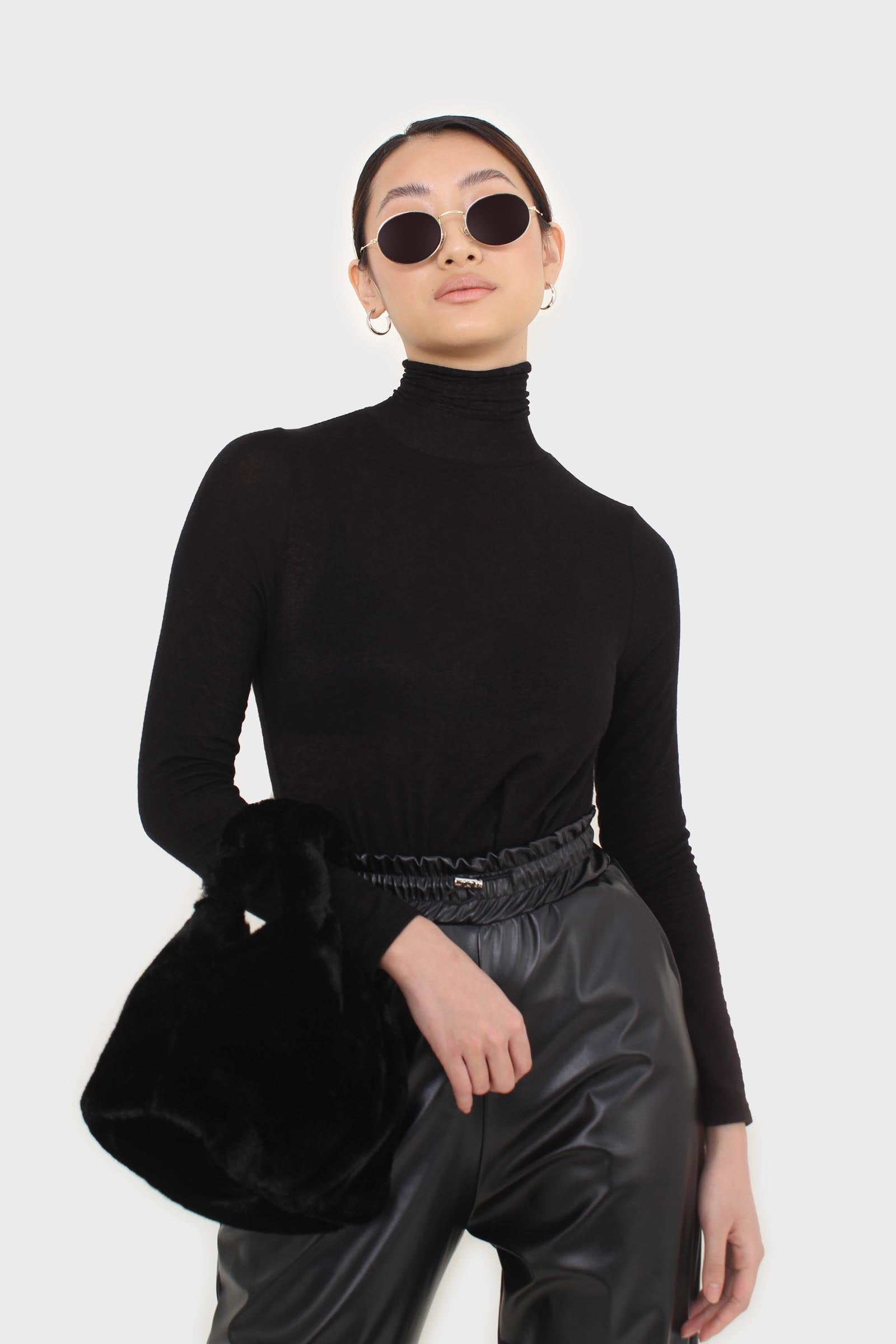 Black wool blended thin turtleneck top9