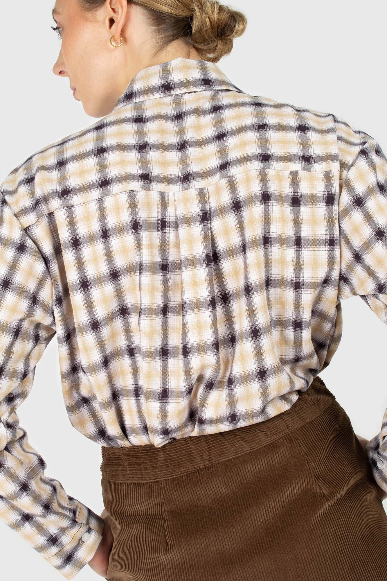 Beige and black plaid soft shirt2