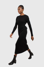 Load image into Gallery viewer, Black large ribbed wool blend midi dress4