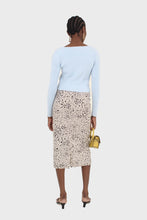 Load image into Gallery viewer, Biege and black leopard print midi skirt3
