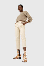 Load image into Gallery viewer, Ivory corduroy belted trousers3