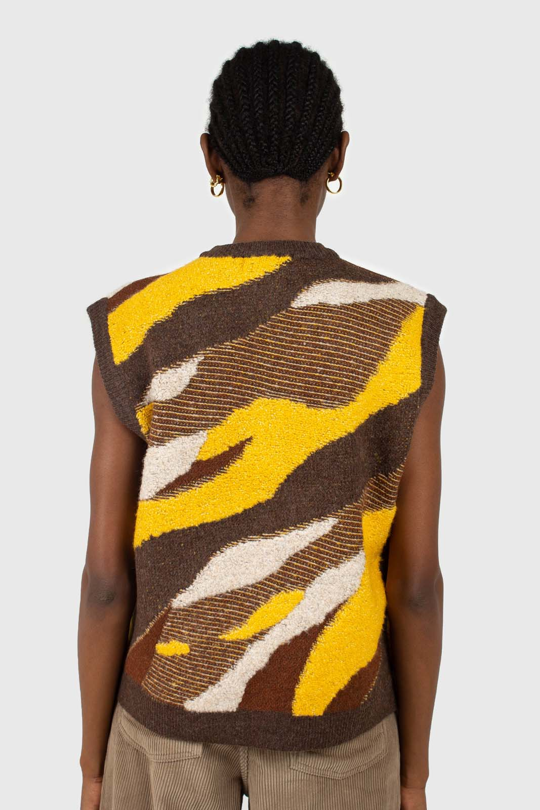 Brown and yellow layered intarsia vest4