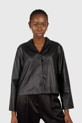 Black vegan leather short shirt jacket1