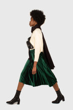 Load image into Gallery viewer, Green velvet pleated midi skirt2