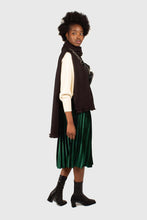 Load image into Gallery viewer, Green velvet pleated midi skirt3