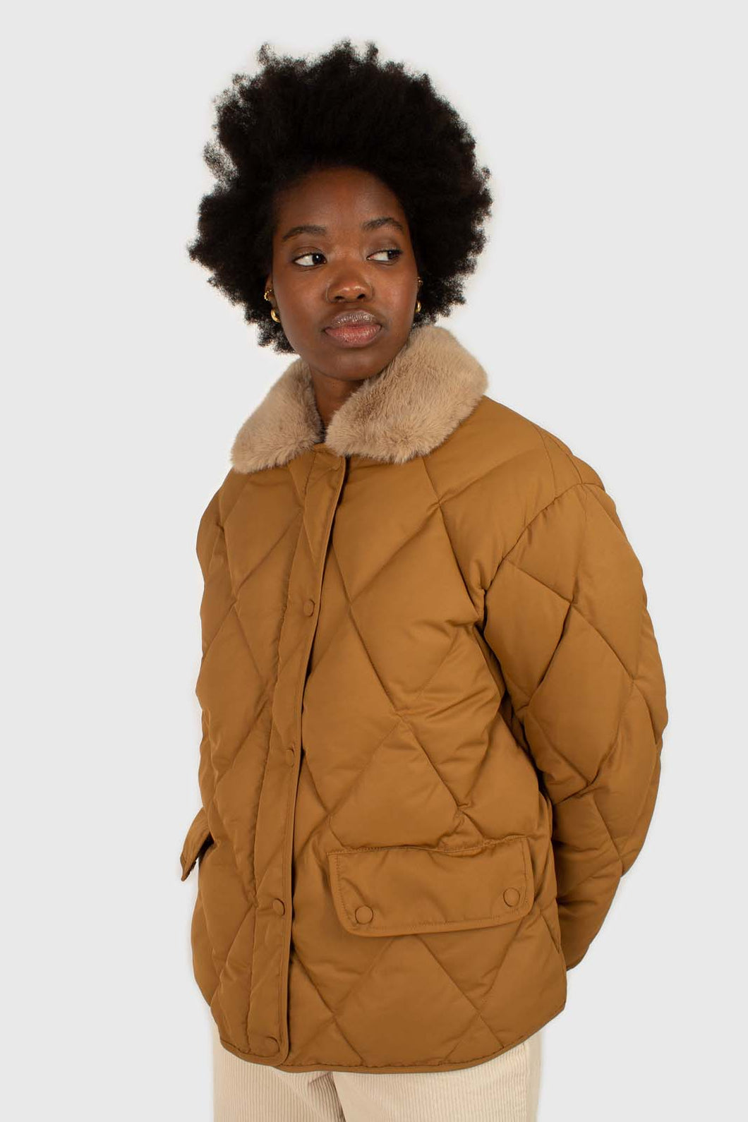 Brown faux fur collar diamond puffer jacket1