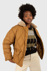 Brown faux fur collar diamond puffer jacket3