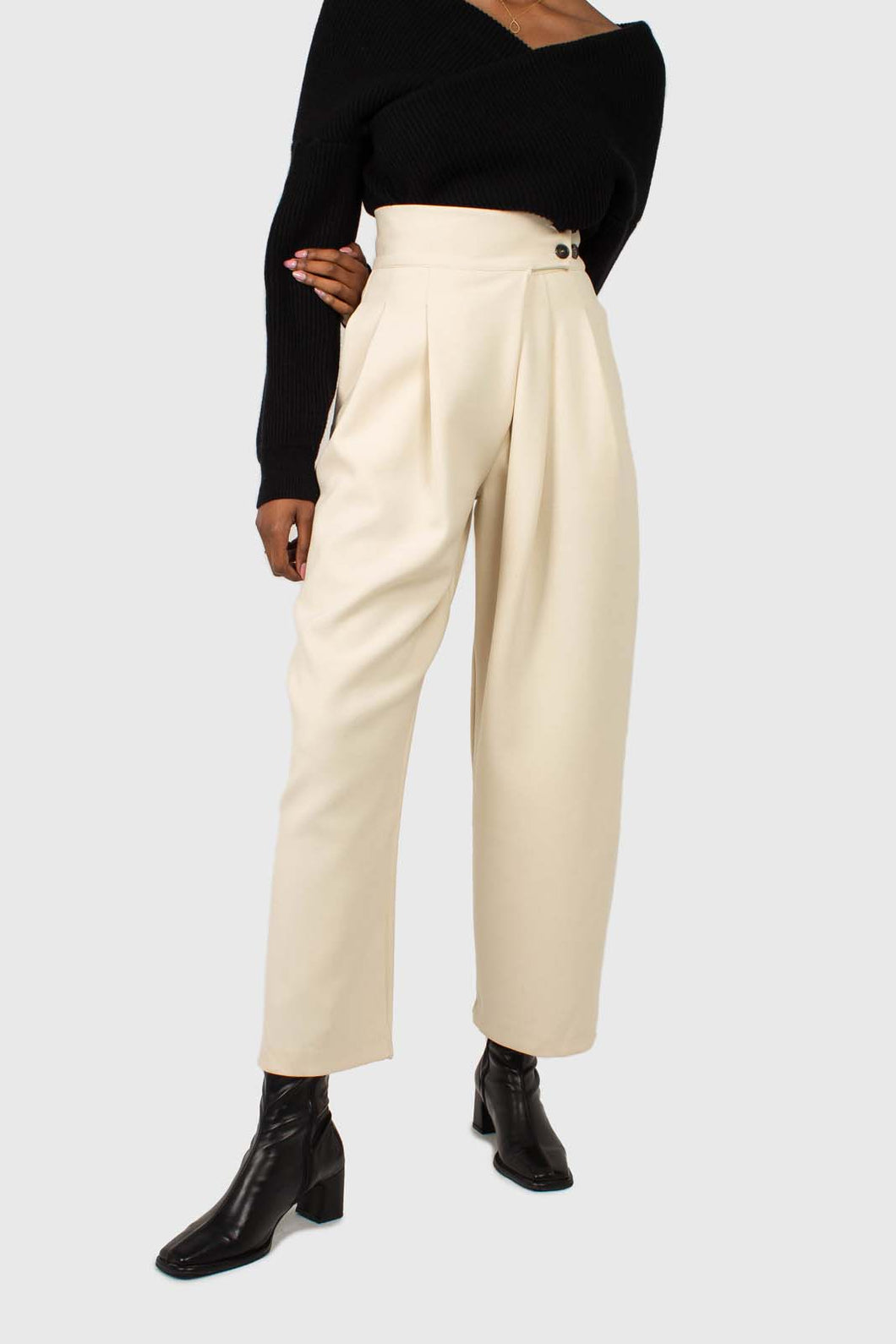 Cream double side button loose fit trousers1