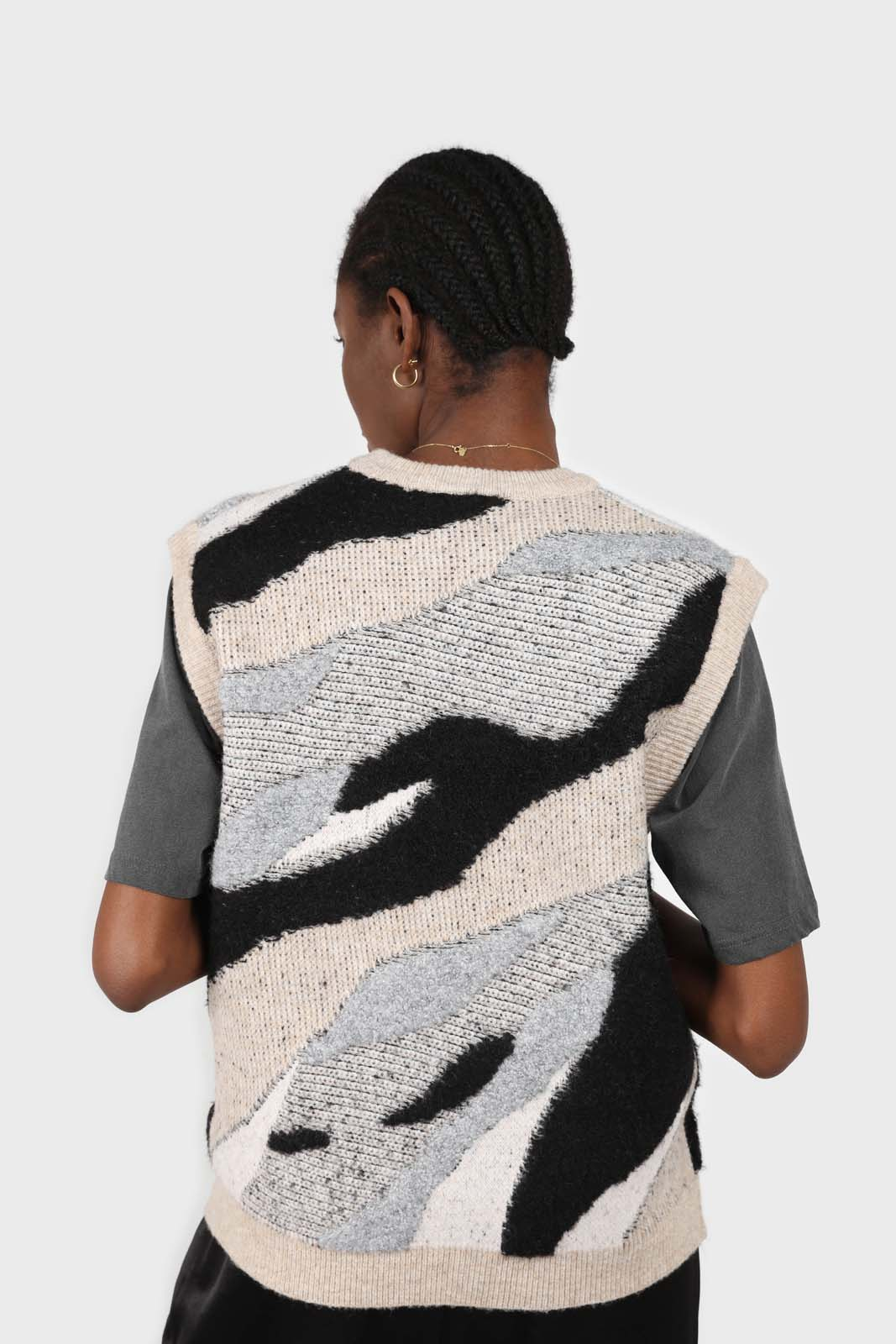 Ivory and black layered intarsia vest4