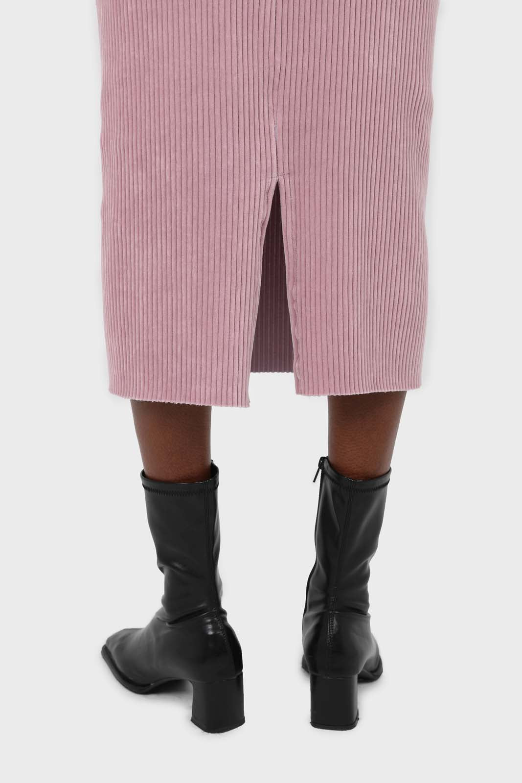 Pink ribbed velvet midi skirt3